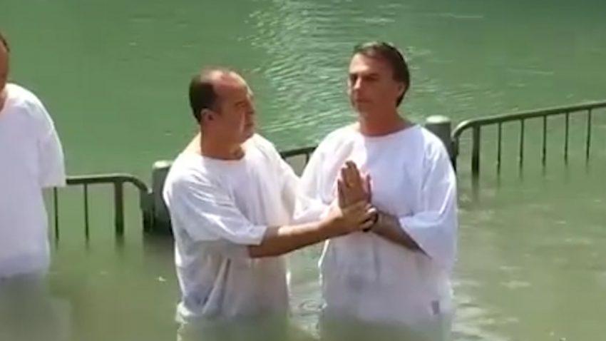 Incroyable mais vrai ! Trois millions de chrétiens dans la Marche pour Jésus au Brésil Batismo-de-jair-bolsonaro