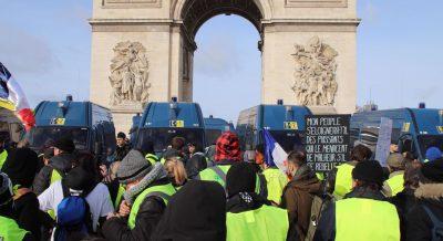 foto de Gilets Jaunes La lutte contre les inégalités sociales