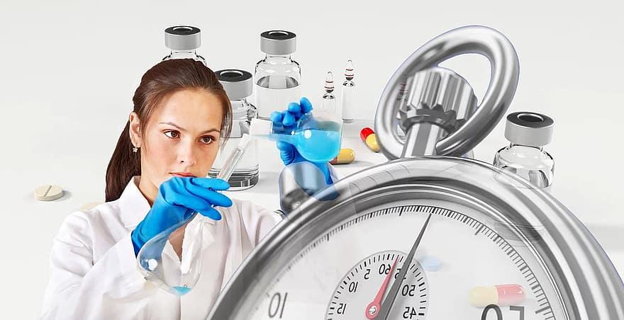 News au 3 août 2020 Vaccine-chemist-syringe-stopwatch-ampoule-outbreak-coronavirus-sars-cov-2-virus